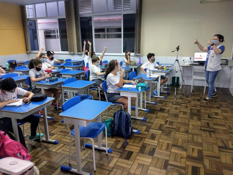Justiça atendeu pedido do Sindicato dos Professores de Santa Catarina e suspendeu liminar que garantia o retorno das aulas na rede particular – Foto: João Victor Góes / ND+